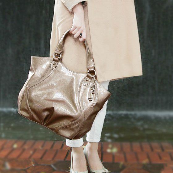 40代女性に人気の「cooga(クーガ)」ブランドバッグ
